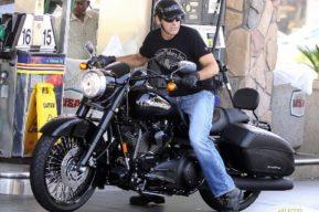 George Clooney y Jim Caviezel sufren accidentes de moto