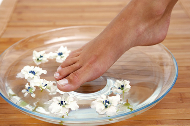 La french pedicure está de moda