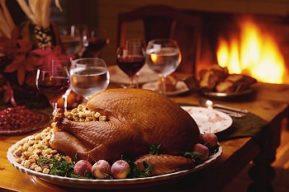 Organiza una cena de Navidad en tu trabajo