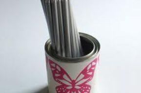 Convierte las latas de conserva en originales lapiceros