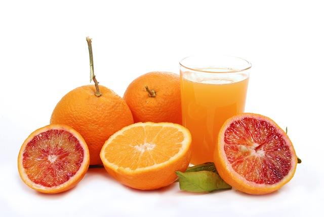 Zumos de frutas hidratación y nutrientes esenciales