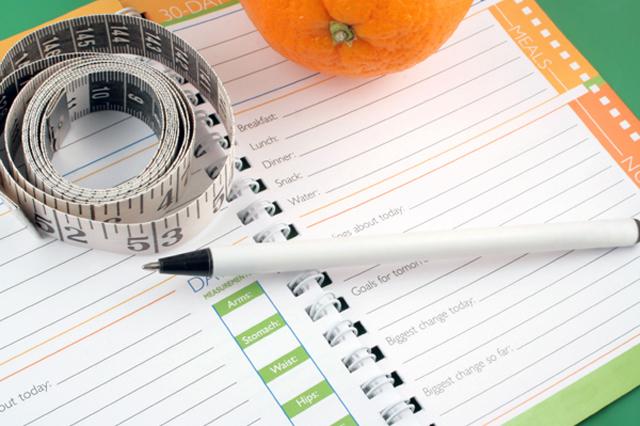Lleva un diario de tu dieta para adelgazar