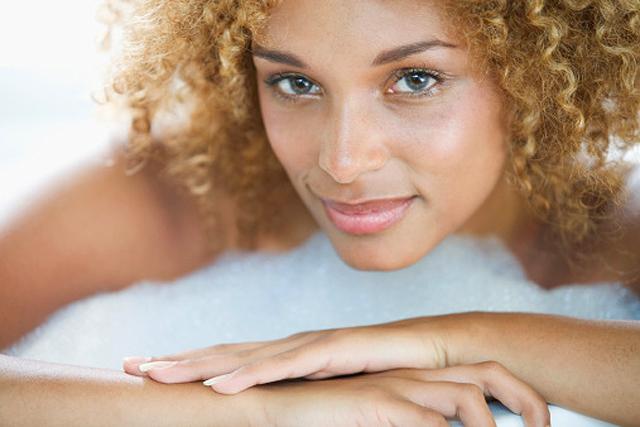 La limpieza a fondo de la piel del rostro