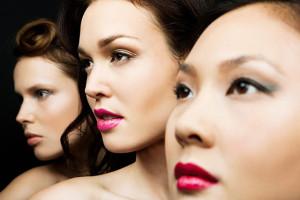 mujeres maquilladas