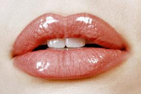 El cuidado cotidiano de los labios