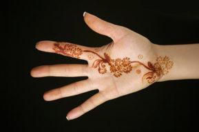 Tatuaje efímero para decorar la piel