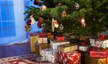 Los beneficios de adornar el árbol de navidad en familia