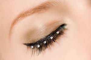 ojo de mujer maquillado