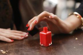 Esmalte de uñas Eres, especial para el sol