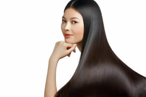 Cinco trucos para embellecer el cabello con aceites capilares