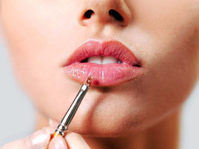 El maquillaje de los labios de cara al verano