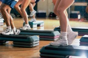 La práctica del step para mantener la forma