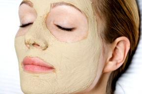 Mascarilla de belleza para renovar la piel del rostro
