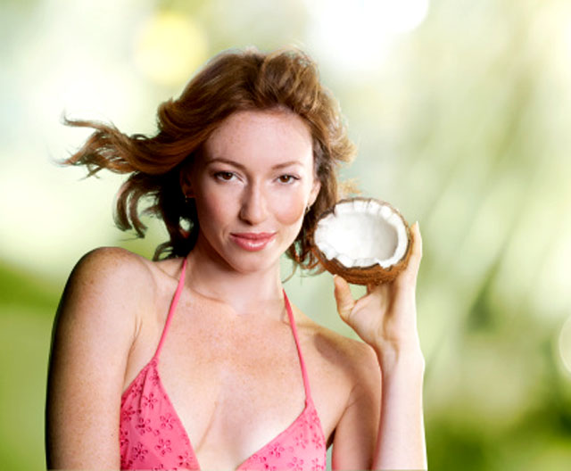 El coco, un elemento natural para purificar el rostro