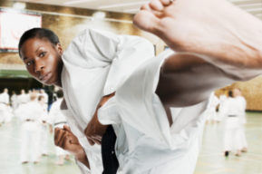 Moldear la silueta practicando Kick'n Fit