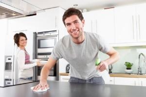 Cómo evitar discutir por las tareas de la casa