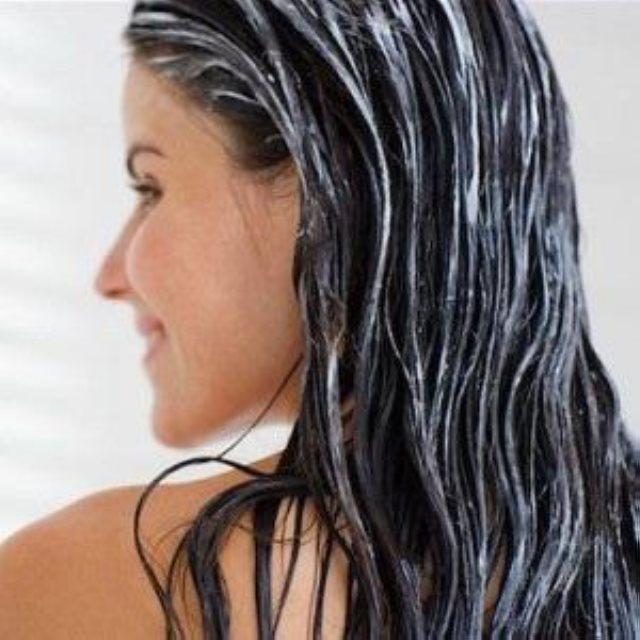Secretos y consejos para cuidar el cabello graso