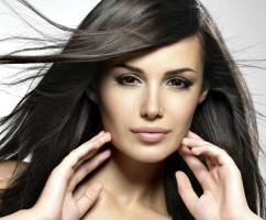 Mujer de pelo sano