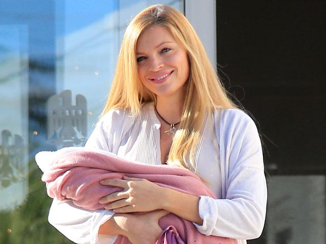 Esther Cañadas da a luz a su primera hija