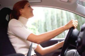 ¿Quiénes conducen mejor los hombres o las mujeres?