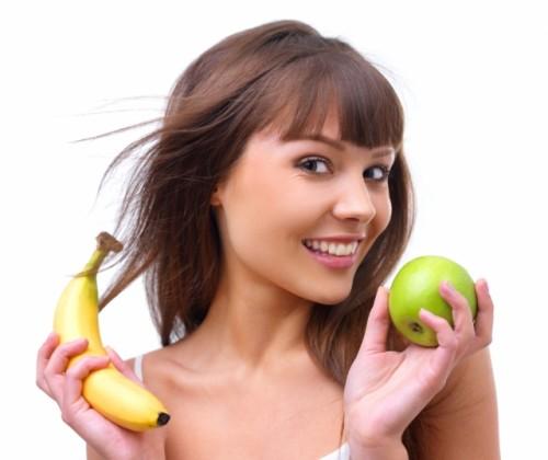 Mujer con frutas