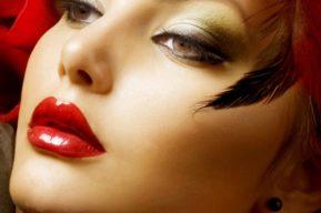 Las mejores razones para aplicar el color rojo en los labios