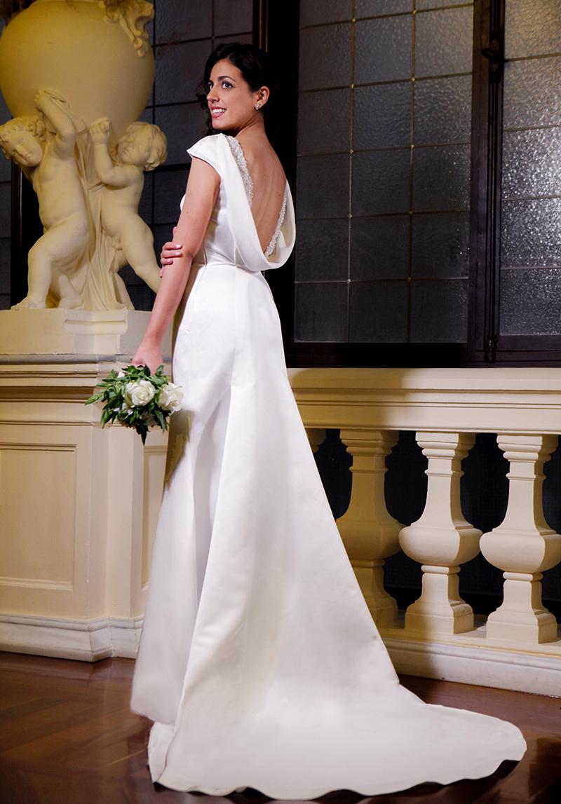 092bfec1d Silvia Navarro presenta una colección de vestidos de novia