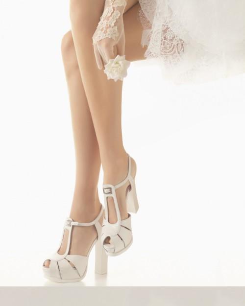 Rosa Clara sandalias-de-novia-con-t-straps-y-tacon-ancho-97157