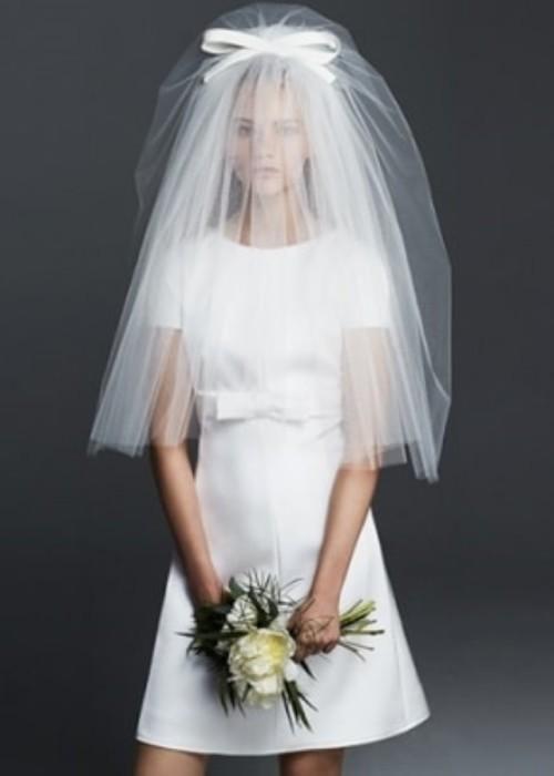 vestido novia corto con lazo superior