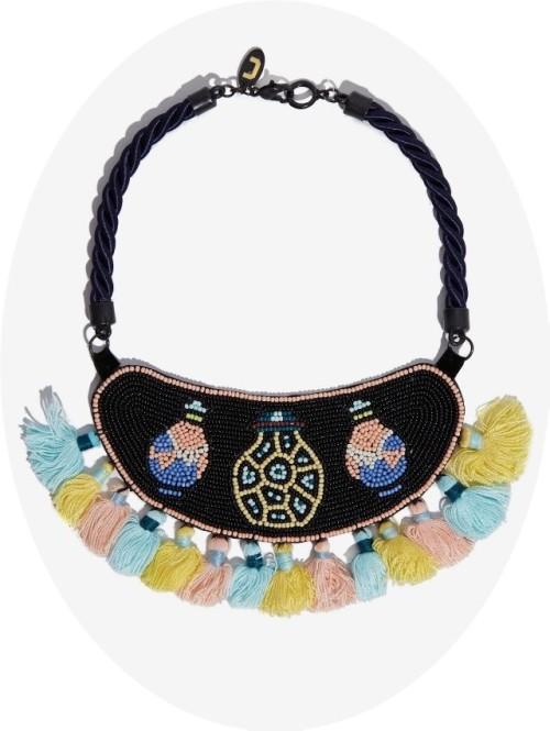 collar estilo étnico Adolfo Dominguez