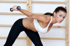 Algunos ejercicios indispensables para adelgazar los brazos