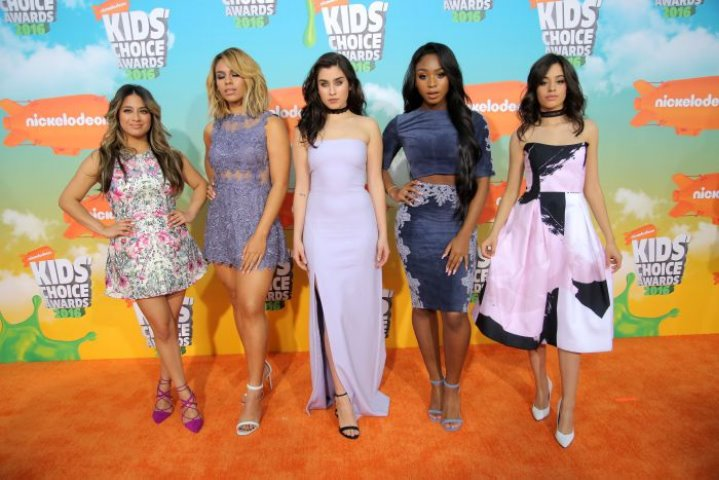 Looks de famosas de Premios Kids Choice Awards 2016