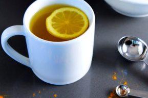 Bebida a base de cúrcuma y limón para perder peso y mejorar la digestión