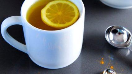 Bebida de cúrcuma y limón