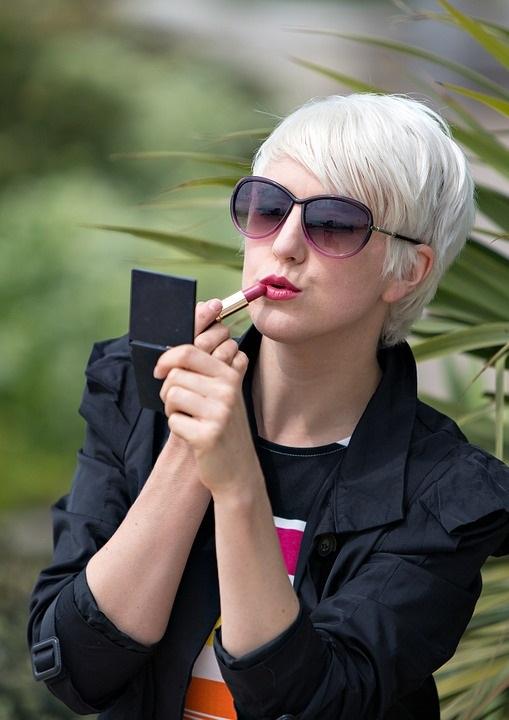 ¿Cuáles son los beneficios de usar maquillaje?