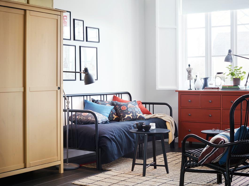 Habitación con diván