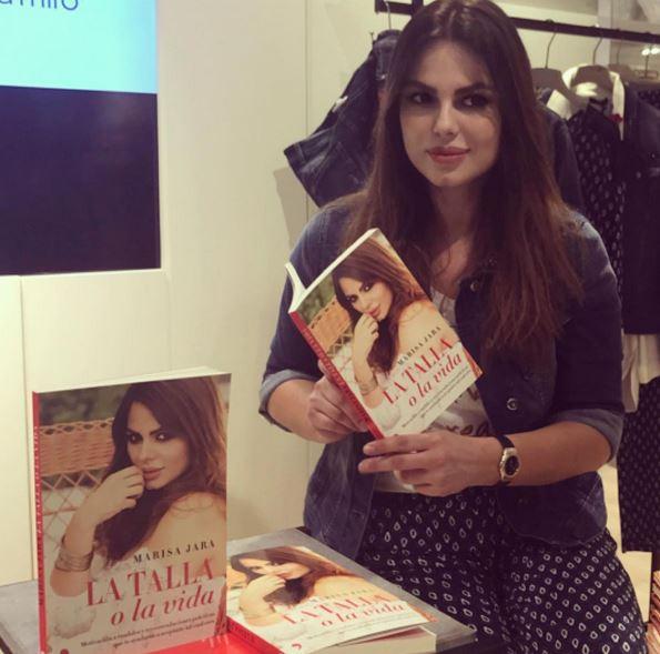 Marisa Jara visita la Feria del Libro