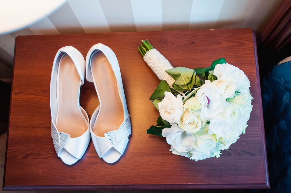 ¿Cómo elegir los zapatos de novia? Ideas prácticas