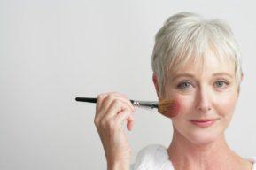 ¿Cómo conseguir el maquillaje perfecto en una piel madura?