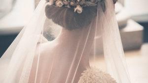 Tocados de novia: Velo, flores o ambos?