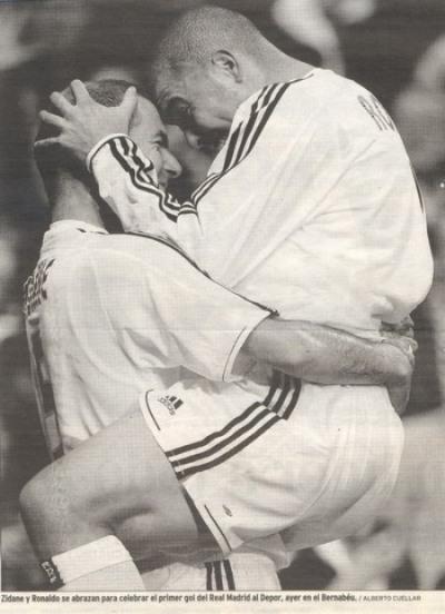 besos y abrazos en el fútbol